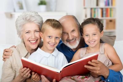 Senior-Couple-With-Grandkids